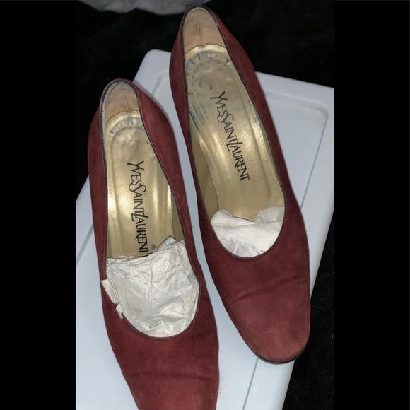 Yves Saint Laurent Shoes - YVES SAINT LAURENT Suede Round-Toe Pumps